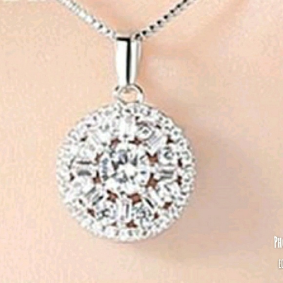 Jewelry - New lovely  CZ crystal pendant necklace